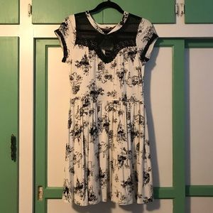 NWOT Disney Princess Black/White Toile Print Dress